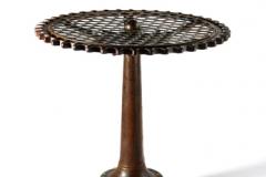 swiveling-table